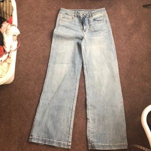 AE Wideleg light wash jeans